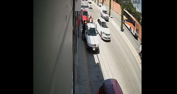 En Zavaleta, atropella a mujer en silla de ruedas y se da a la fuga