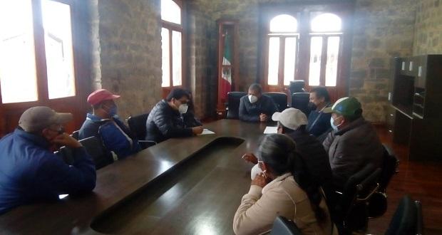 Líder antorchista se reúne con edil de Zacatlán para tratar demandas