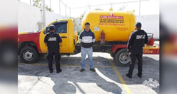 Policía Estatal capturan a presunto huachigasero en Puebla capital