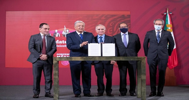 AMLO e IP firman para 39 proyectos de infraestructura; Puebla, fuera