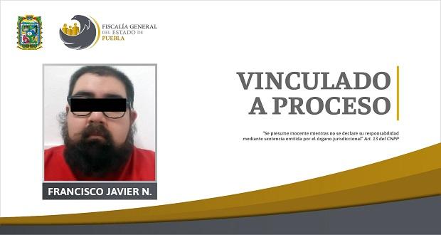 Detienen a sujeto por almacenar pornografía infantil en Puebla