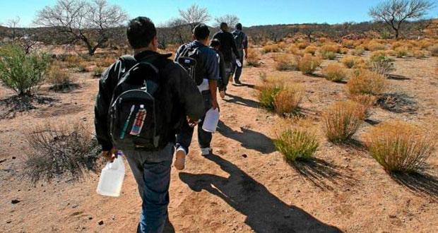 Rescatan a 12 indocumentados en la México-Puebla y detienen a 1