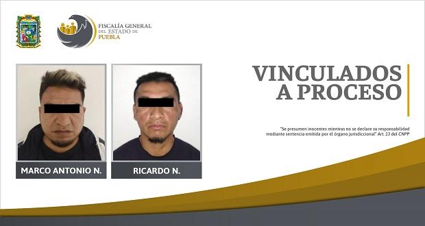 FGE asegura a 2 hombres con armas y droga en Puebla capital