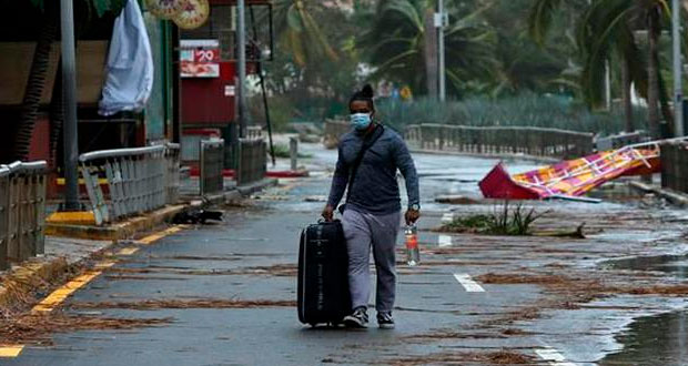 Huracán Delta deja saldo blanco al pasar por Yucatán y Quintana Roo