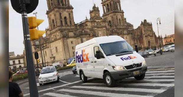 Economía acuerda que mensajería Fedex contrate a 6 mil 500 empleados