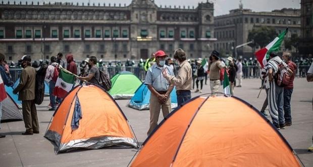 """Frena quita plantón en CDMX por """"violencia y presión""""; llama a marcha"""
