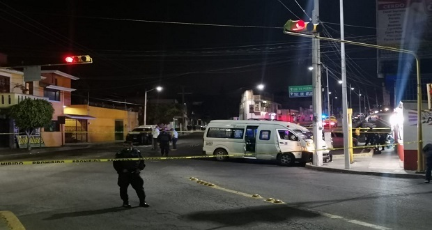 Comando balea unidad de la ruta 9M en Atlixco; muere conductor, mujer y menor
