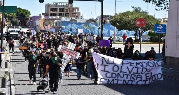 Mujeres en Puebla marchan para recordar a víctimas de feminicidios