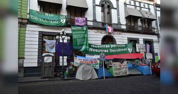 Plantean parlamento abierto sobre aborto en Puebla; ley Agnes, en febrero