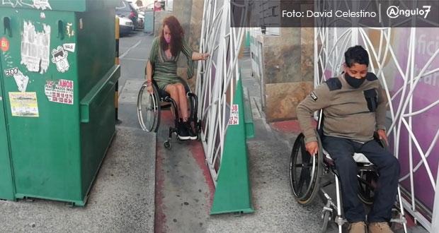 Sin fecha, reubicación de obstáculos a discapacitados en avenida Juárez