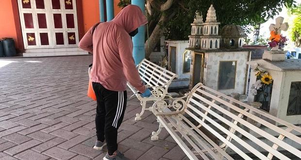 Antorcha realiza desinfección de espacios públicos en Toltecamila