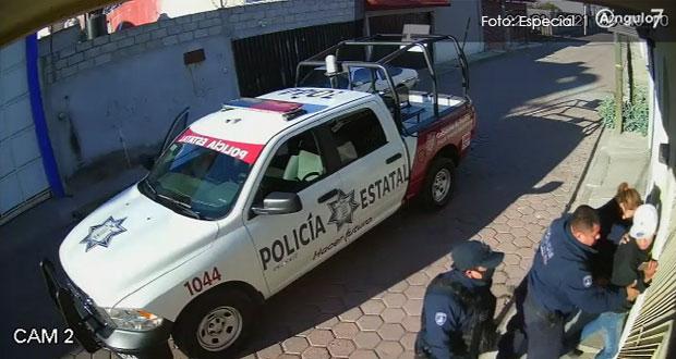 Con abuso de autoridad, policías estatales someten a joven en Amozoc