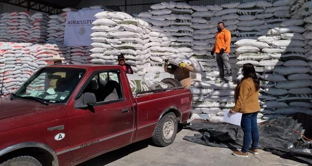 Sader ha entregado fertilizantes a 2,506 poblanos; avance, del 32%