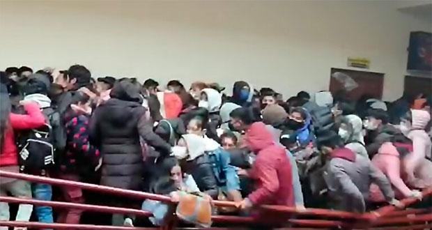 En Bolivia, universitarios caen desde un cuarto piso, hay 5 muertos
