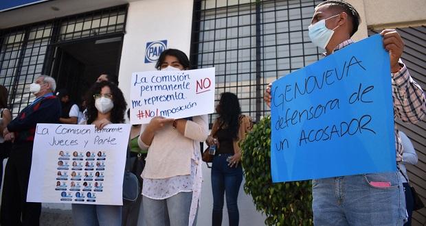 """Genoveva """"agandalla"""" candidaturas en el PAN, acusan militantes"""