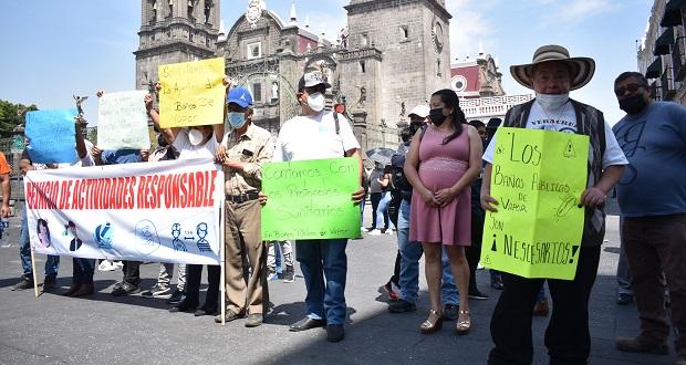Bañeros de Puebla vuelven a marchar para exigir reabrir negocios