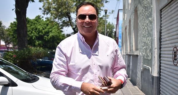 Candidato de FXM a alcaldía de Puebla presenta planilla de regidores