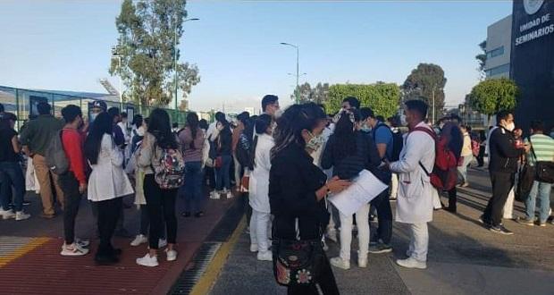 Dejan sin vacuna anti-Covid a personal del Hospital Universitario, acusan