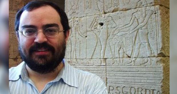 Historiador Rodrigo Borja, nuevo director de bibliotecas federales