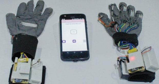 Ingenieras del IPN crean guantes para descifrar lengua de señas