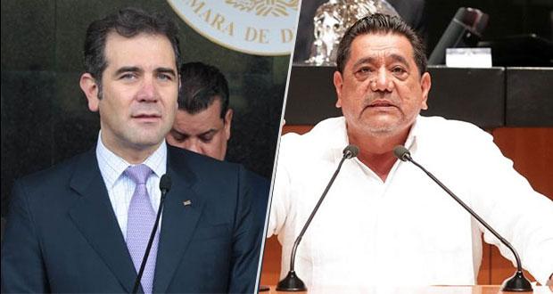 Lorenzo Córdova vota a favor de retiro de candidatura a Salgado