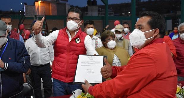 PRI da constancia a Morales como candidato por alcaldía de Ocoyucan