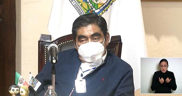 Sin confrontar, Barbosa reitera que regreso a aulas en Puebla será en agosto