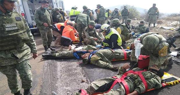 Vuelca camión militar a la altura de Palmar de Bravo; hay dos muertos