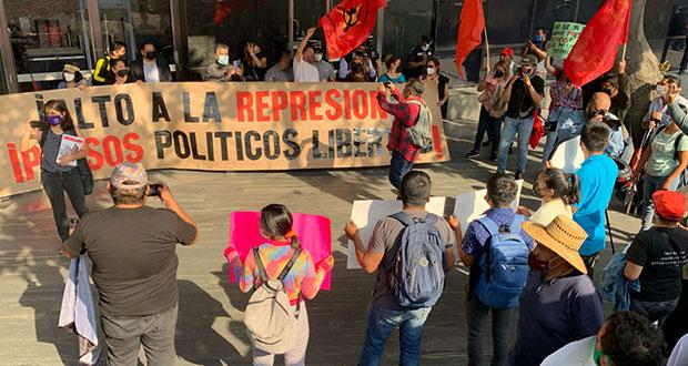 Bajo proceso, liberan a normalistas detenidas en Chiapas; acusan agresiones