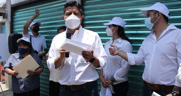 Centros de capacitación para mujeres, propone Eduardo Rivera