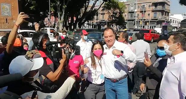 Ciudadanos deben tomar control de la ciudad de Puebla: Rivera Santamaría