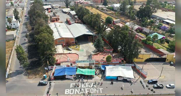 Comuna clausura Bonafont en Juan C. Bonilla; acusan simulación