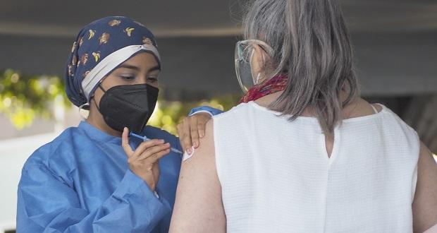 En orden, vacunación contra Covid para mayores de 50 años en Puebla capital