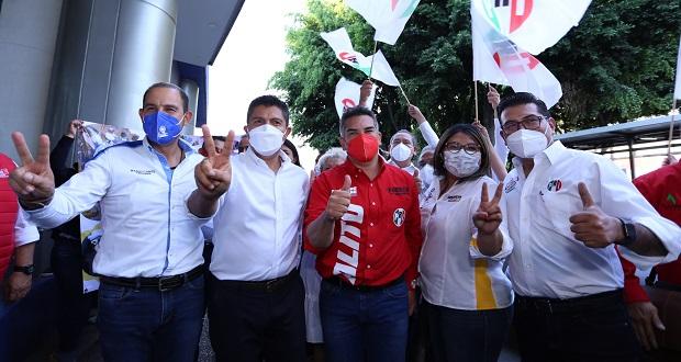 Líderes del PRI, PAN y PRD respaldan a Eduardo Rivera en arranque de campaña
