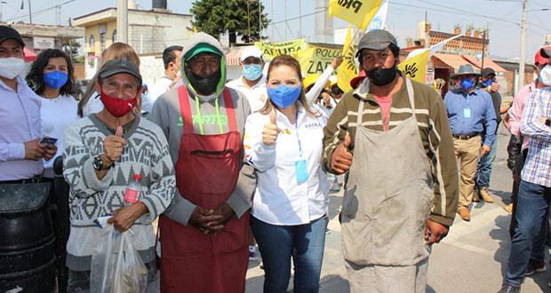 Seguridad e impulsar comercio, piden a Angon en caminata en San Pedro