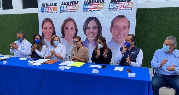 Va por México y colectivo firman compromiso a favor de mujeres