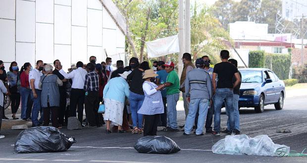 Con cierre, en Tlaxcalancingo piden salida de Junghanns por robar agua