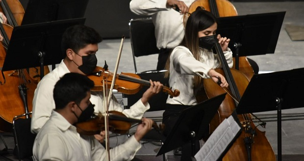 70 músicos terminan estudios y se unen a Orquesta Esperanza Azteca