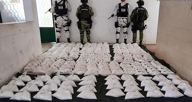 Ejército y Guardia Nacional aseguran 280 kilos de cristal en Michoacán