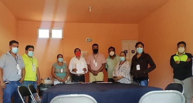 Recibe Juan Luna constancia como alcalde electo de Atexcal