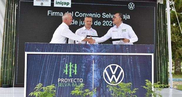 Sader y VW colaboran para conservación de bosques en Hueytamalco