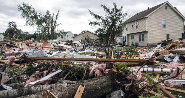 Tornado en las afueras Chicago deja daños de importancia