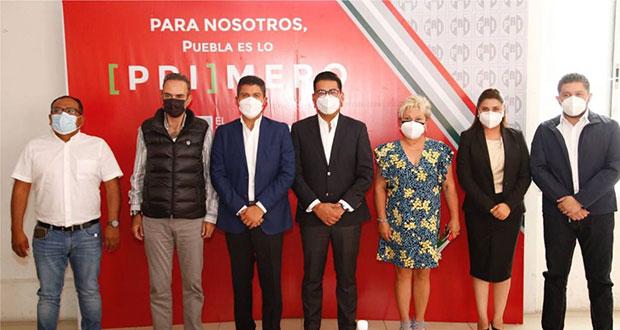Eduardo Rivera se reúne con diputados y alcaldes electos del PRI