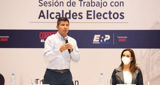 Eduardo Rivera se reúne con sus 14 homólogos panistas