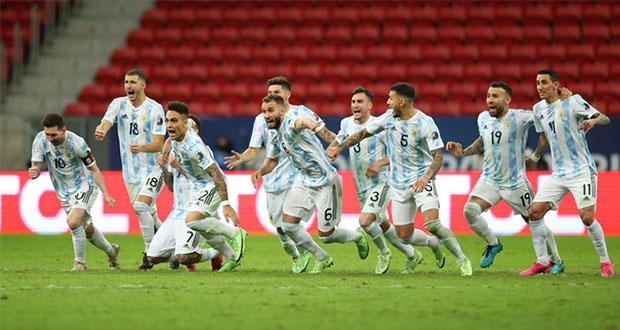 Emiliano Martínez le da en penales el pase a la final a Argentina