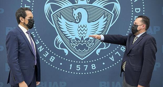 Nombra Esparza a José Carlos Bernal secretario General de la BUAP