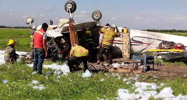 Piloto muerto y pasajera herida, por desplome de avioneta en Durango