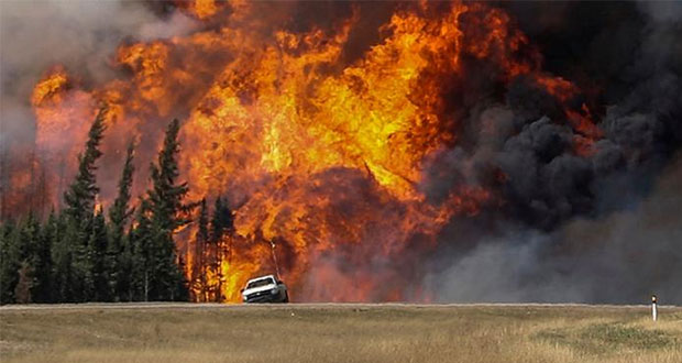 Por incendios declaran emergencia en el oeste de Canadá