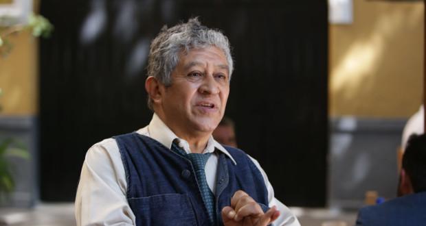 Anuncia Robledo candidatura a rectoría de la BUAP; pide voto presencial