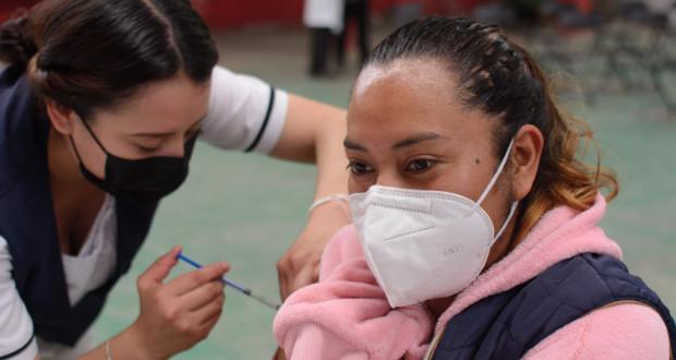Este miércoles, vacunación en Puebla capital para 30 y 40 años